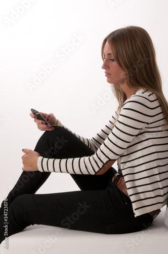 junge Frau Kommunikation SMS Wallpaper Mural