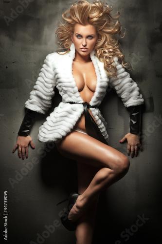 Fototapeta Cute blonde beauty posing