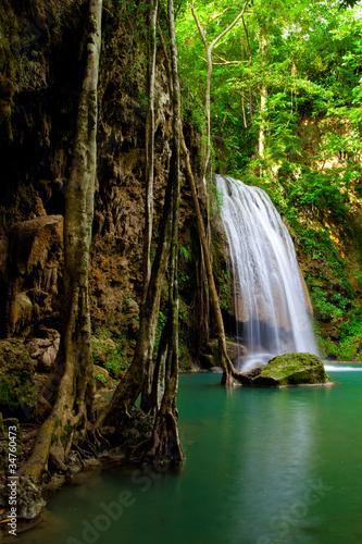 Obrazy dżungla   eravan-siklawa-w-kanchanaburi-tajlandia