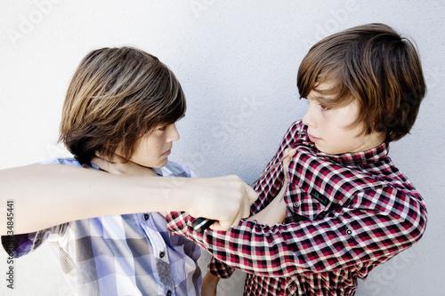 Photo bagarre entre garçons