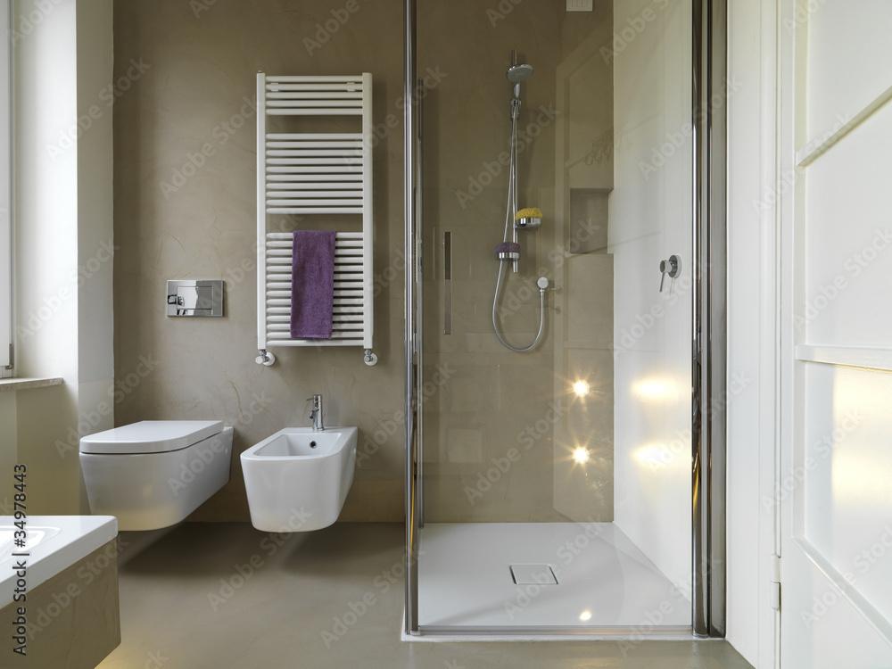 Fototapeta bagno moderno con doccia in muratura e vetro