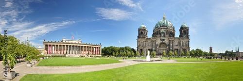 Spoed Fotobehang Berlijn Berlin - Lustgarten mit Dom und Altes Museum