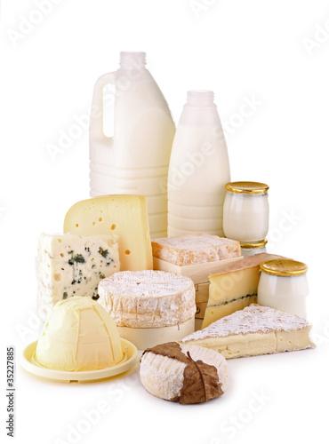 produits laitier sur fond blanc