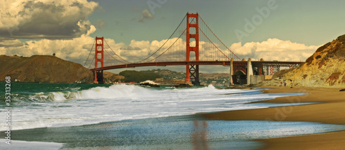 Keuken foto achterwand San Francisco Panoramic view on Golden Gate bridge.