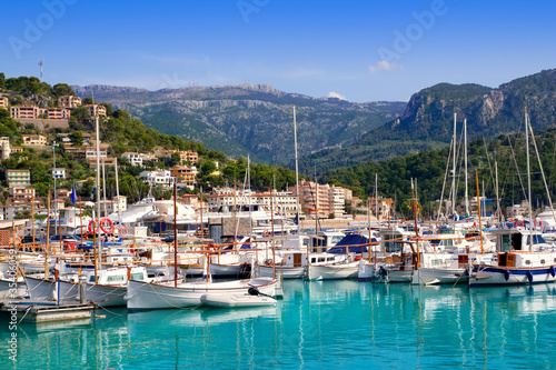 Foto-Kassettenrollo premium - Port de Soller view with tramontana mountain in Mallorca