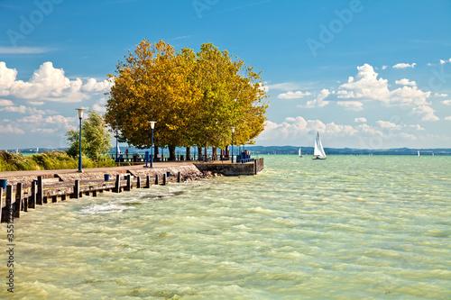 Photo  View of Lake Balaton in Hungary