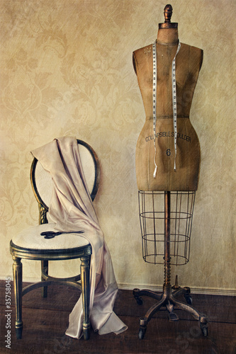Papiers peints Retro Antique dress form and chair with vintage feeling