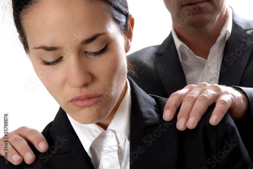 Photo femme travail harcelement