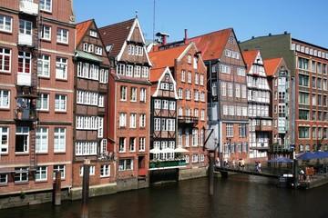 Fototapeta na wymiar Fleethäuser in Hamburg