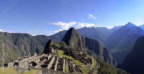 Photo  Panorama of Machu Pichu with Huayna Picchu