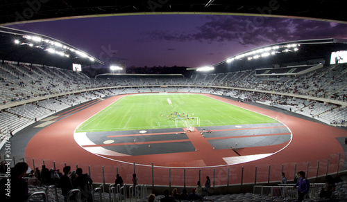 La pose en embrasure Stade de football soccer stadium at night
