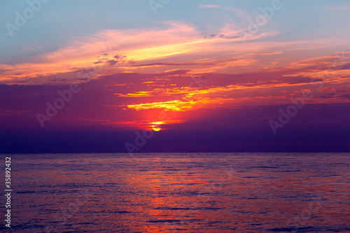 Poster Crimson Mediterranean sea sunrise water horizon