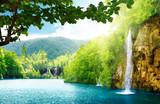 wodospad w głębokim lesie - 35925267