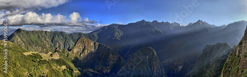 Photo HDR Panorama of Sunrise over the RuinsMachu Picchu