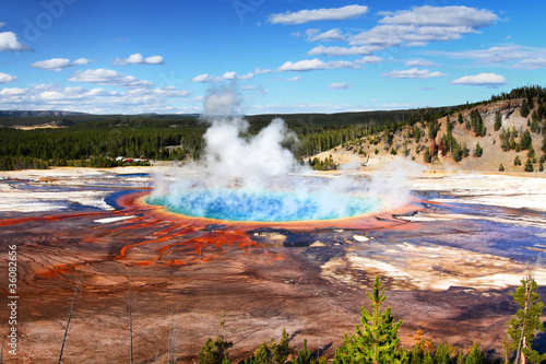 Photo Stands Natural Park Grand Prismatic Spring In Yellowstone