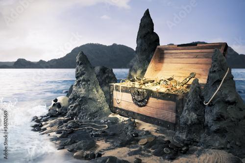 Foto auf AluDibond Schiff open treasure chest with bright gold