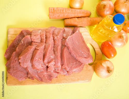 In de dag Voorgerecht beef on cutting board