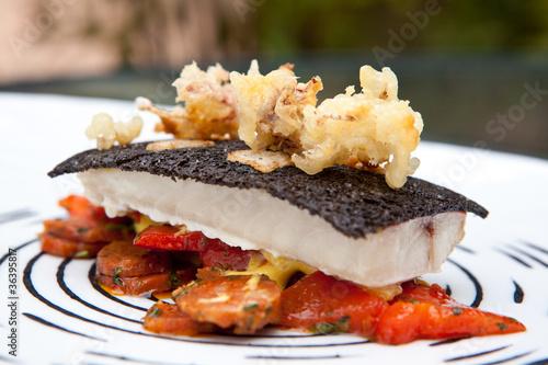 Photo Gastronomie : filet de rouget, calamars, encre de seiche #2