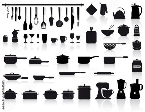 Fotografie, Obraz  set di attrezzi, pentole e posate da cucina