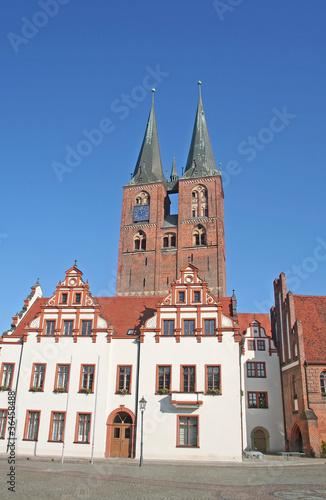 Photo Stands Rathaus von Stendahl mit Marienkirche (Sachsen-Anhalt)