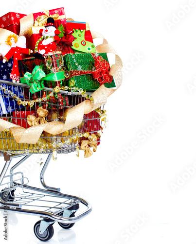 Türaufkleber Weltkarte Christmas shopping cart with gifts.