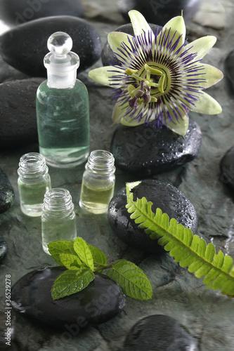 Keuken foto achterwand Spa Huiles essentielles - Passiflore & menthe