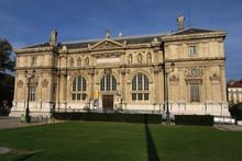 Musée Et Bibliothèque