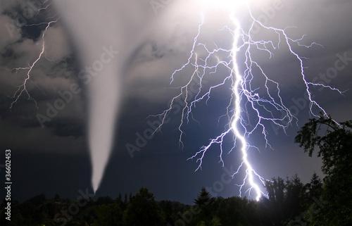 Fotografie, Obraz  Tornado und Blitze
