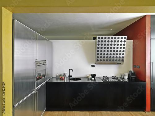 cucina moderna con pavimento di legno – kaufen Sie dieses ...
