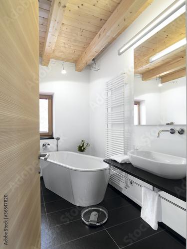 Bagno Moderno Con Vasca Da Appoggio Centrale Stock Photo Adobe Stock