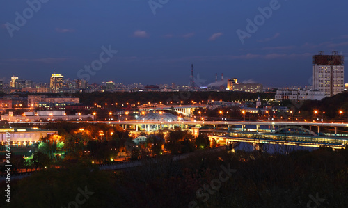 Poster de jardin Paris View from Vorobyovy Hills, bridge across Moskva River in Moscow