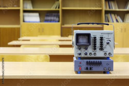 Fotografie, Obraz  Old educational oscilloscope on desk in physics school class