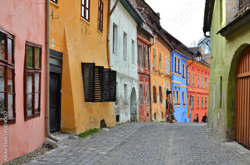 sighisoara-sredniowieczna-ulica-transylvania-w-rumunia