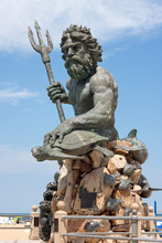Giant King Neptune Statue In V...