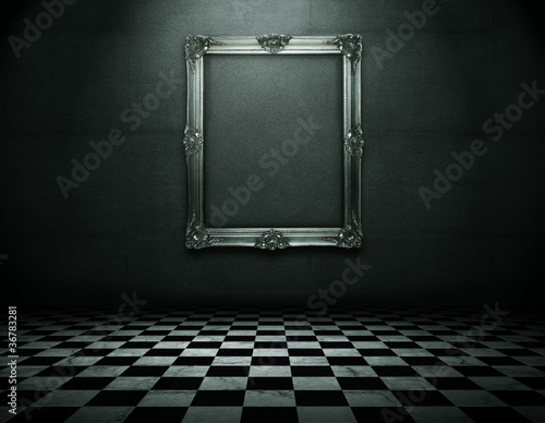 Cuadros en Lienzo Silver picture frame in runge empty interior with clipping path