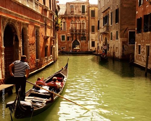 Spoed Foto op Canvas Gondolas Traditional gondola ride