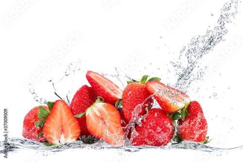 Foto op Canvas Opspattend water fragole splash