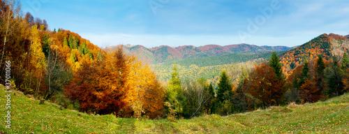 Fototapety do jadalni krajobraz-gorski-jesienia