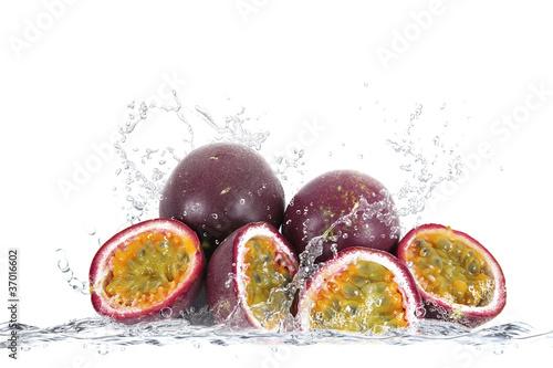 Poster Eclaboussures d eau passion fruit splash