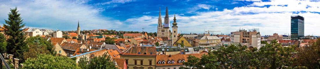 Panoramski pogled na gradsku jezgru Zagreba u staroj gradskoj jezgri