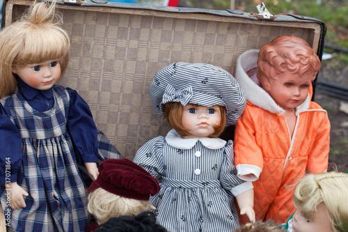 Puppen auf Flohmarkt Poster