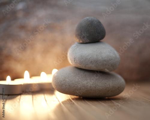 Photo sur Plexiglas Zen pierres a sable trio de galets