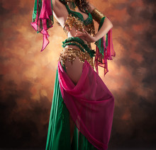 Beautiful Exotic Belly Dancer ...