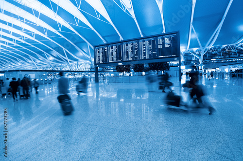 Foto op Aluminium Luchthaven passenger and flight information board in airport