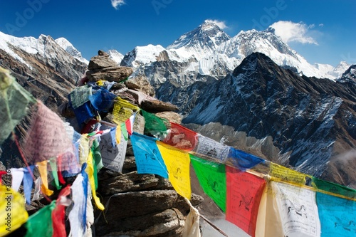 Montage in der Fensternische Nepal view of everest from gokyo ri