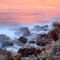 Panel Szklany Do salonu The coastline at dawn