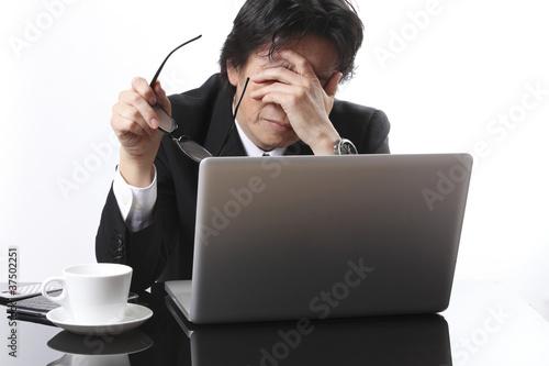 Fotografía  悩むビジネスマン