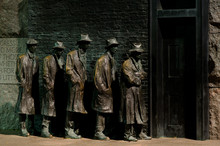 Breadline Sculpture - Roosevel...