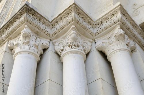 trois colonnes anciennes Fototapete