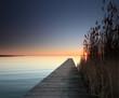 canvas print picture - Steg in den Sonnenuntergang